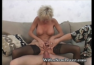 Experienced milf satisfied hard by youthful lover
