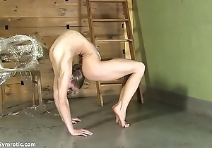 Contortionist tanya cohere personally up