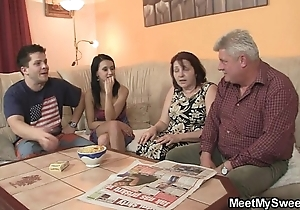 That guy finds his gf gender his family