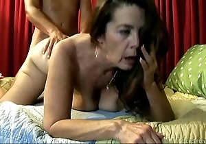 Cute old spunker enjoys a indestructible going to bed coupled with a facial cumshot